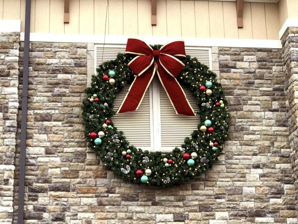 BF-810 Building Front Wreath