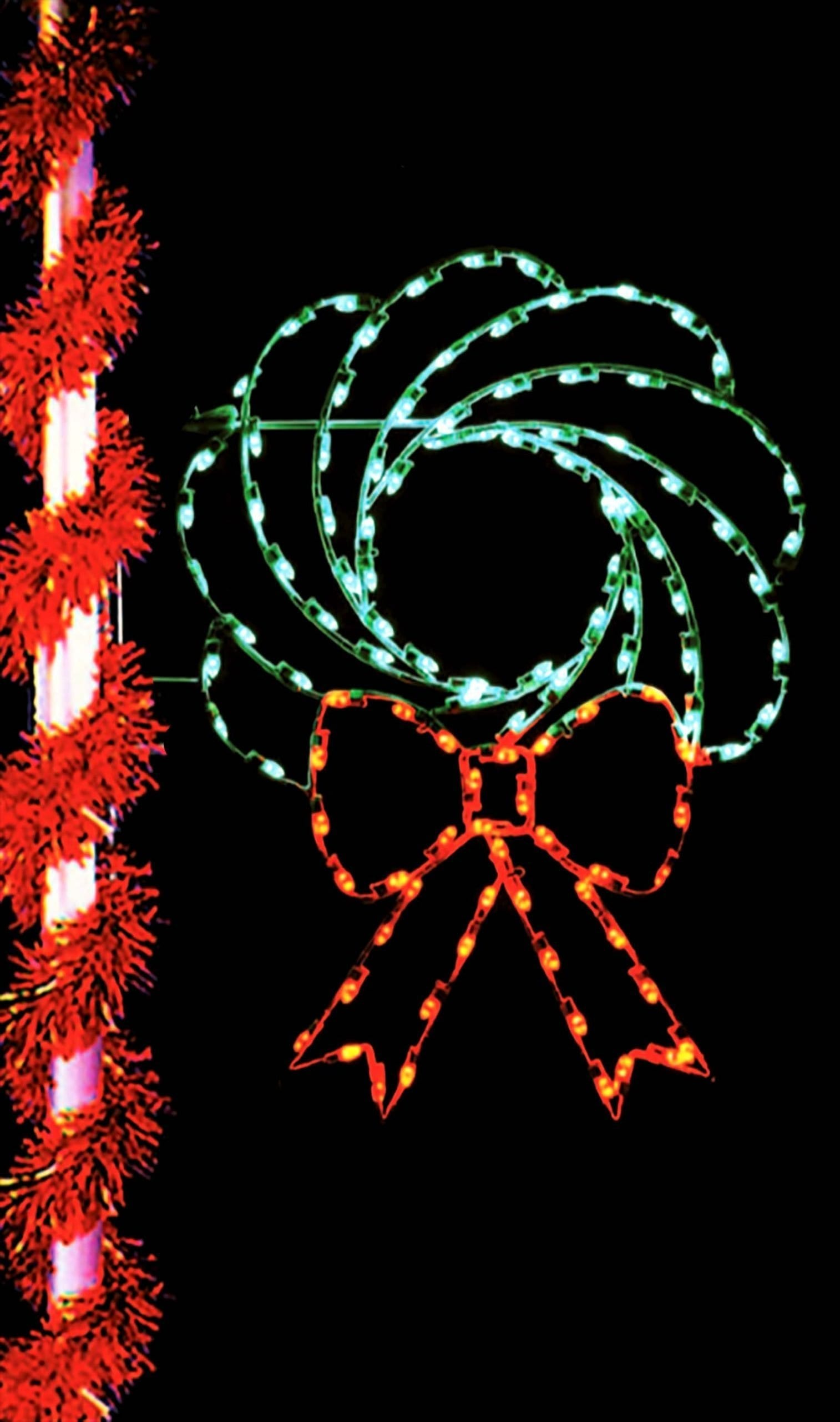 PMCT-135 Illuminated Wreath